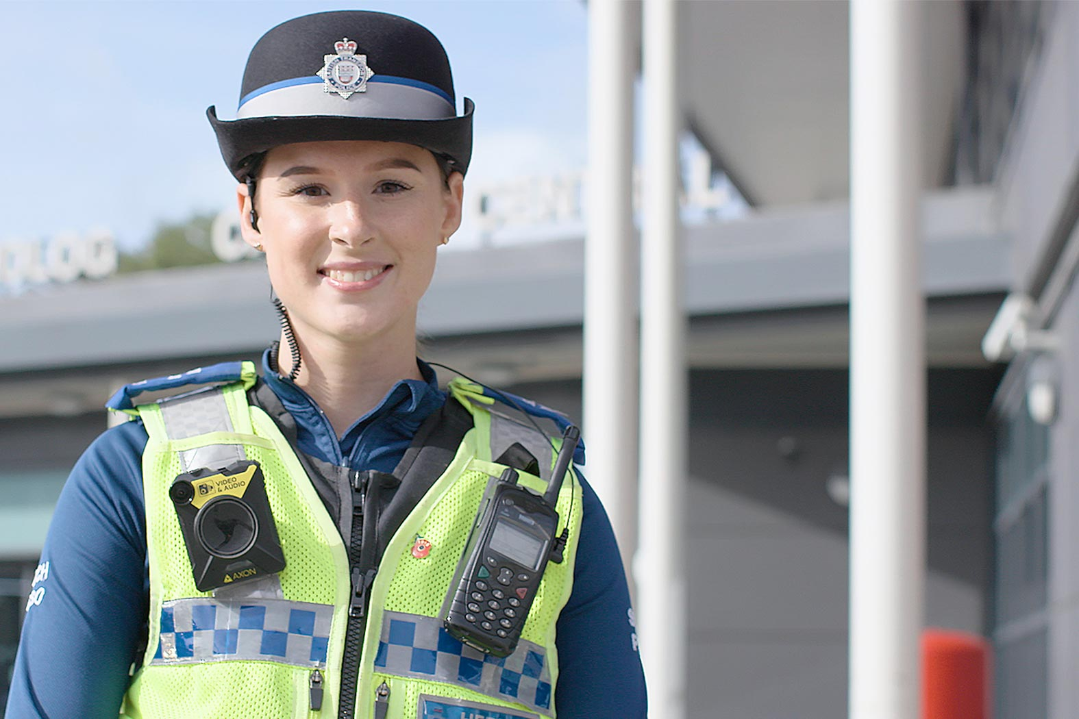 female british transport police officer